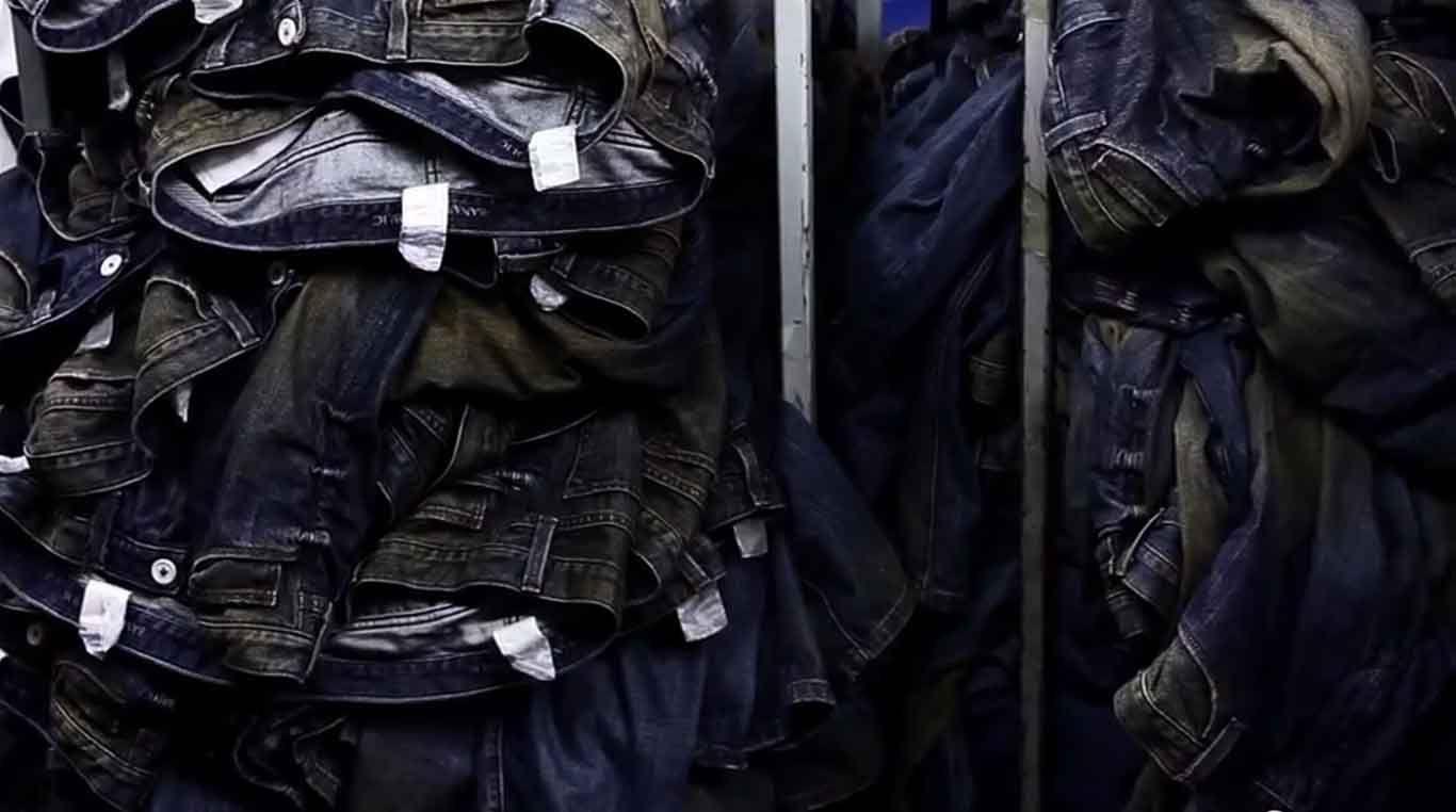 Een waterbesparende oplossing voor steengewassen kleding