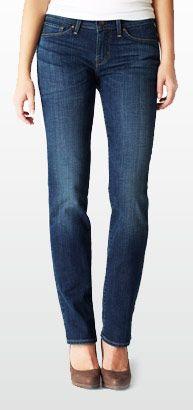 model wearing Straight