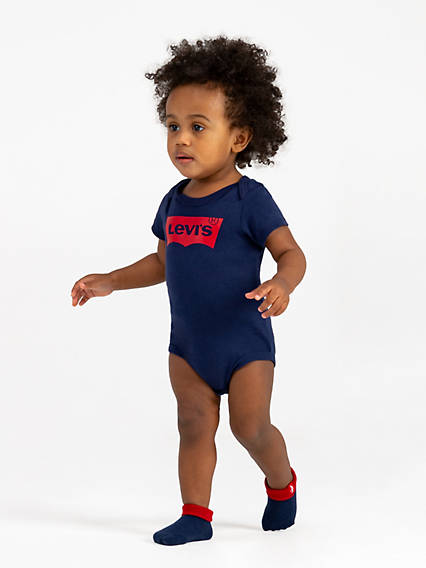 Baby 6-12M Levi's® Classic Logo Onesie Giftset