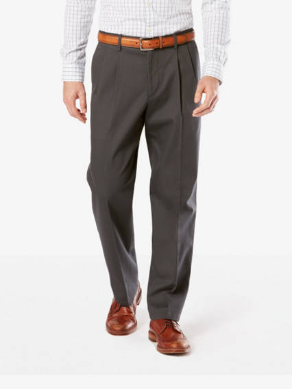 Men's Signature Stretch Khaki Pleated Pants, Relaxed Fit