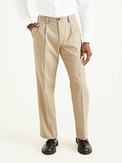 Easy Stretch Khaki Pleat, Classic Fit