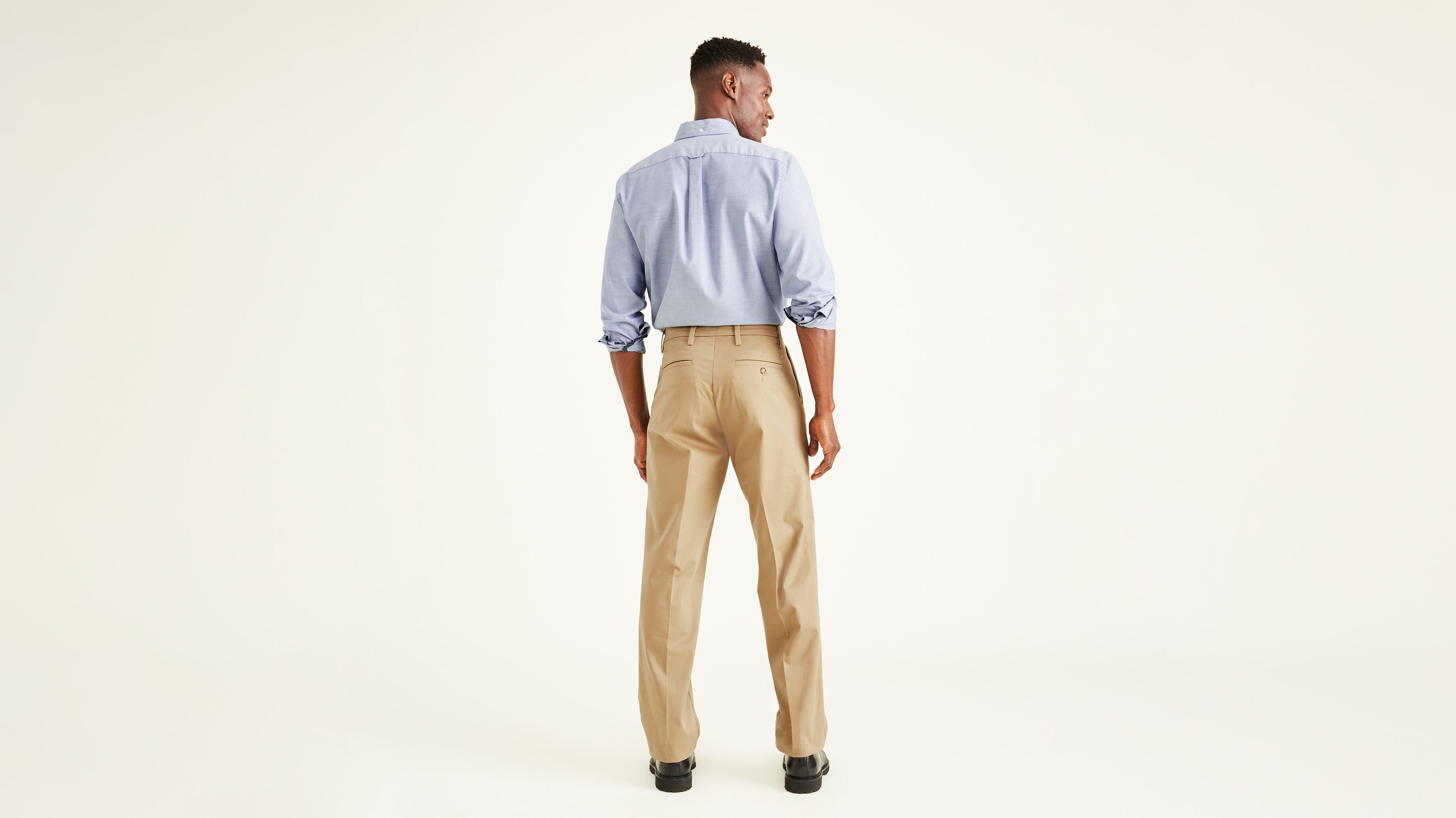 a437973b977a9b Workday Khaki Pants With Smart 360 Flex™, Classic Fit - Tan 399830001 |  Dockers® US