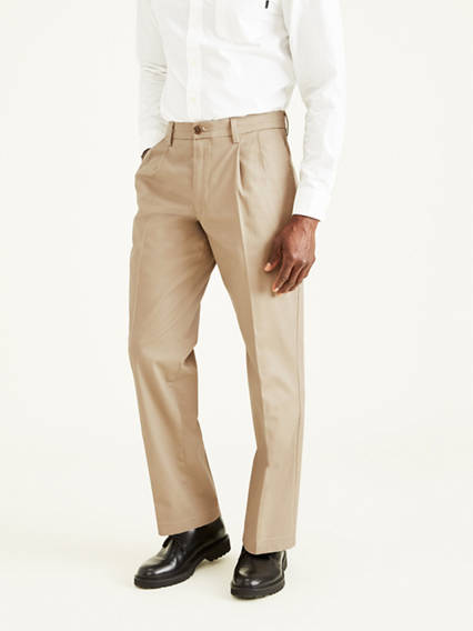 Men's Signature Khaki Pleated Pants, Classic Fit