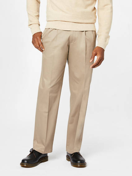 Men's Signature Khaki Pleated Pants, Relaxed Fit