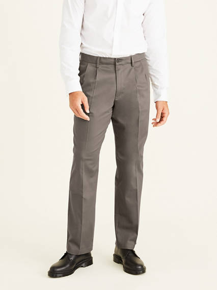 Men's Big & Tall Signature Khaki Pleated Pants