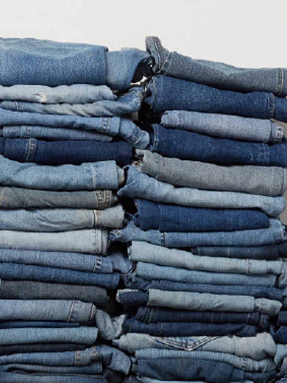 HOW TO THRIFT THE PERFECT JEANS