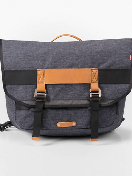 Levi's® Commuter™ Messenger Bag