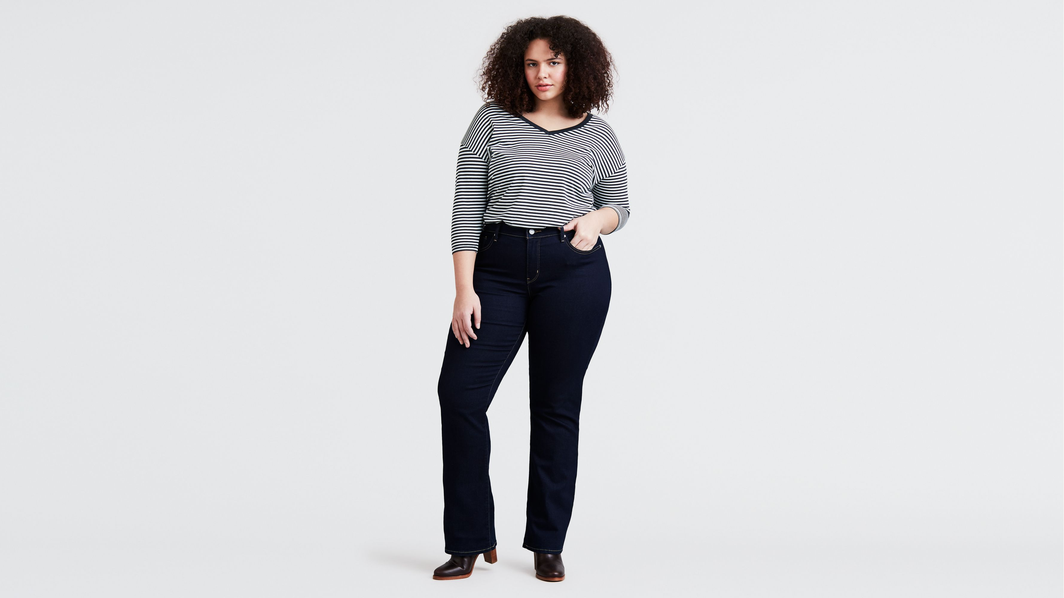 Ladies Size 8 Boot Cut Navy Blue Skinny jeans Stone Wash Denim Button Zip