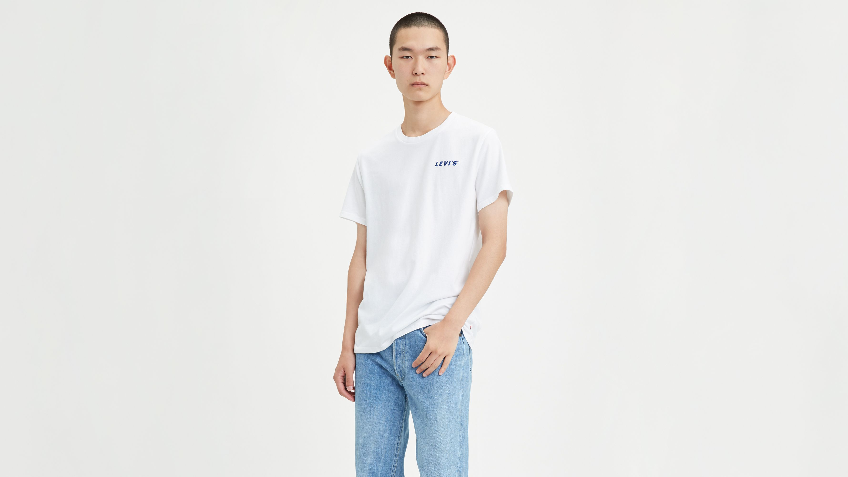 Levi's® Chest Patch Logo Tee Shirt