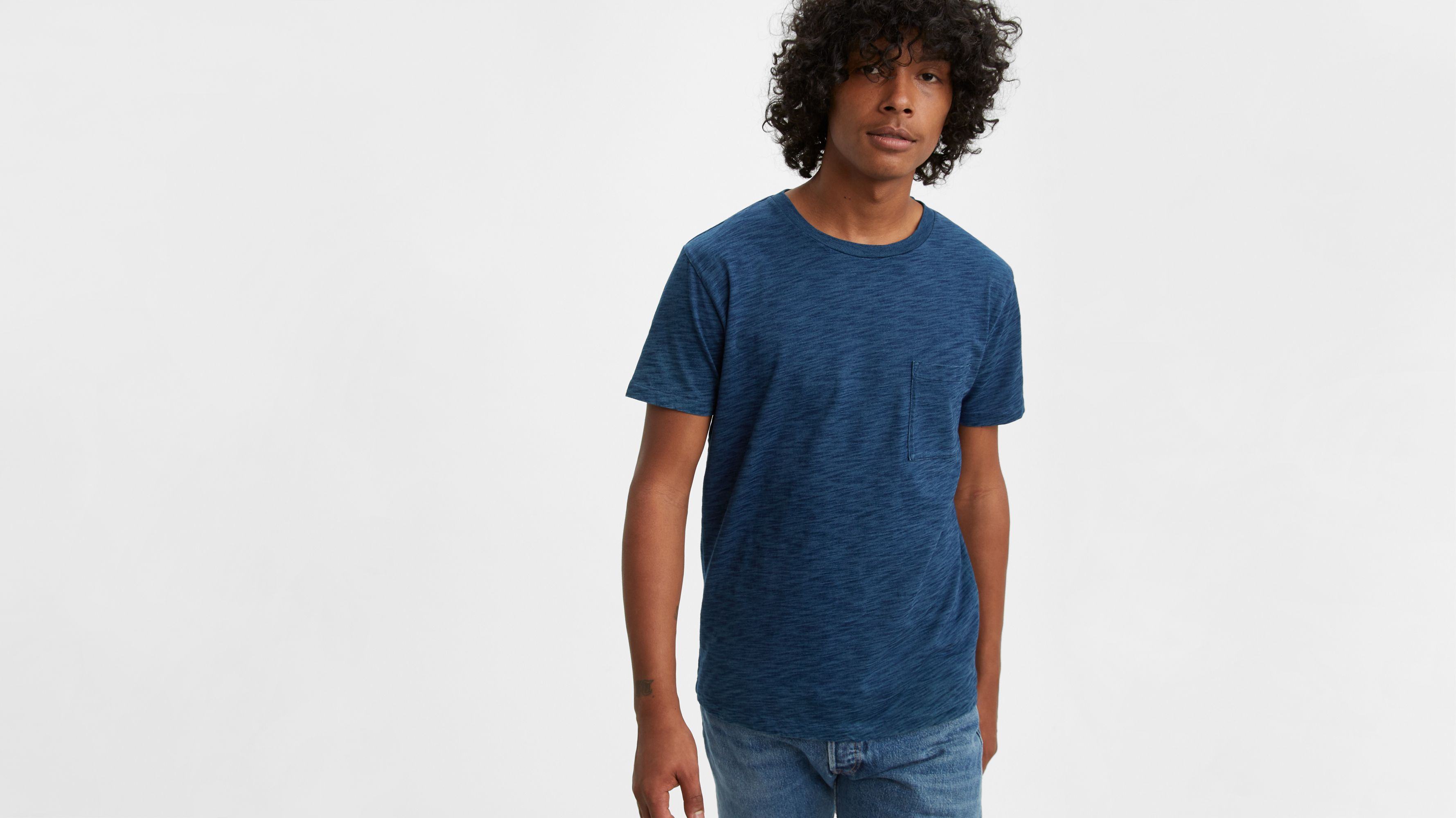 Washed Blue White Black Levi/'s Made /& Crafted Pocket Tee Levi/'s T-Shirt
