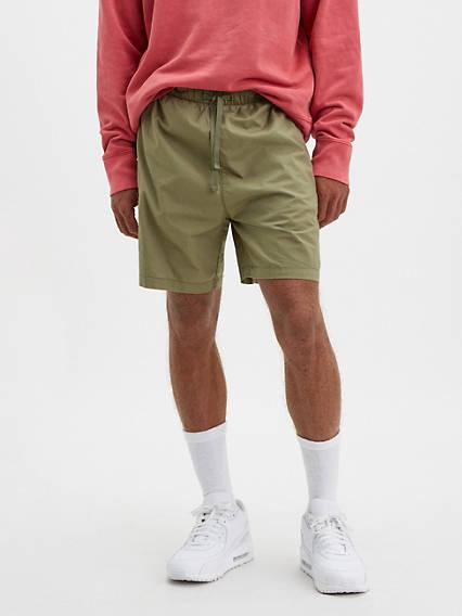 Walk  6.75 in. Mens Shorts